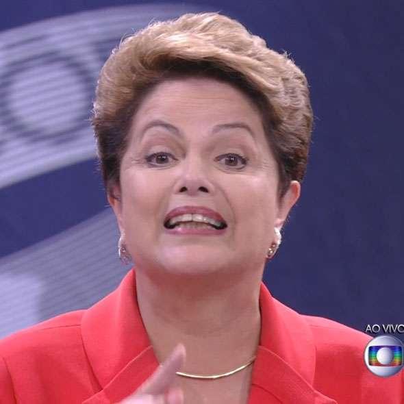 Veja tenta influenciar eleição, diz Dilma em reposta