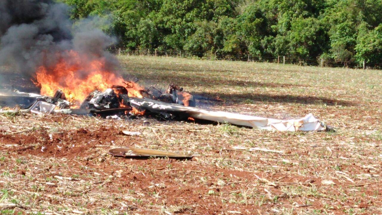 Aeronave cai logo após a decolagem em Jataí