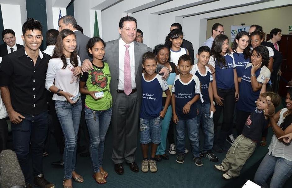 Marconi põe Goiânia entre as seis capitais com Passe Livre Estudantil