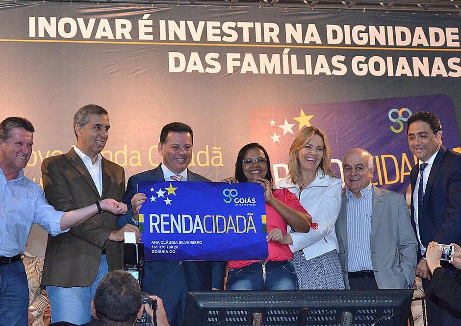 Novo Renda Cidadã terá investimento anual de R$ 100 milhões