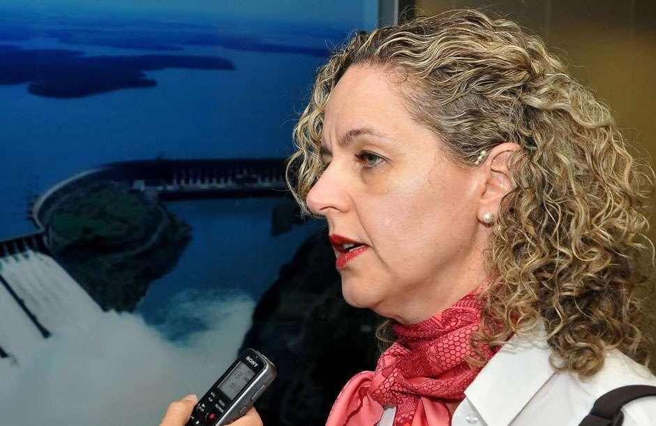 Secretária Ana Carla Abrão defende que lei da dívida dos Estados defina gasto com pessoal