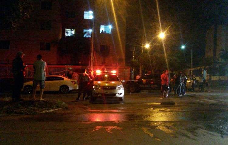 Homem morre baleado ao tentar assaltar policial militar
