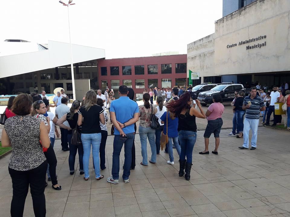 Servidores da saúde denunciam omissão de Paulo Garcia e alertam para possibilidade de greve