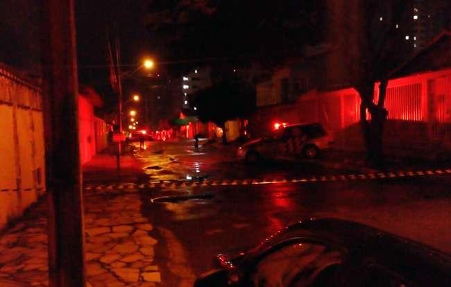 Jovem é morto a tiros no Setor Negrão de Lima