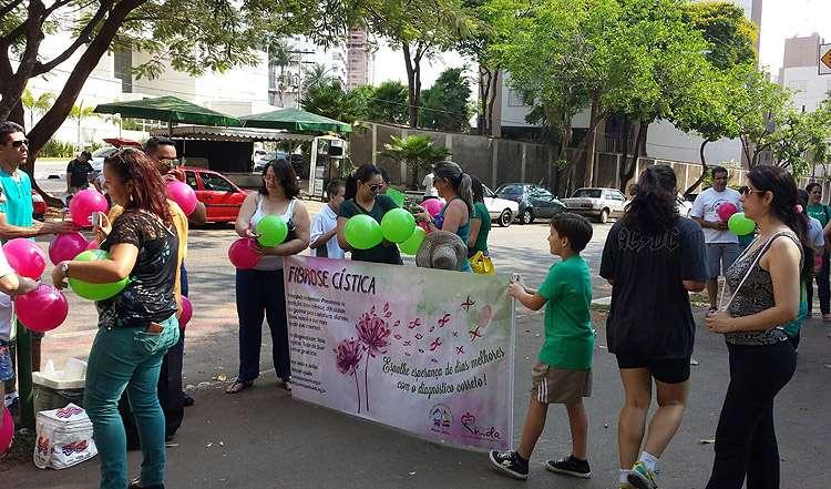 Caminhada adverte para a conscientização da Fibrose Cística, em Goiânia