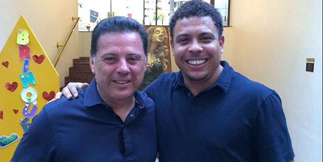 Ex-jogador Ronaldo se encontra com Marconi e posta foto nas redes sociais