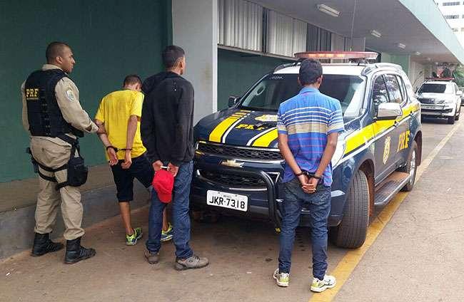 Três menores sequestram mulher e são apreendidos pela PRF