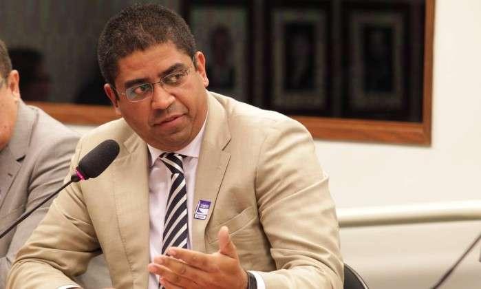 'Testa de ferro' aceita acareação para falar sobre PSDB