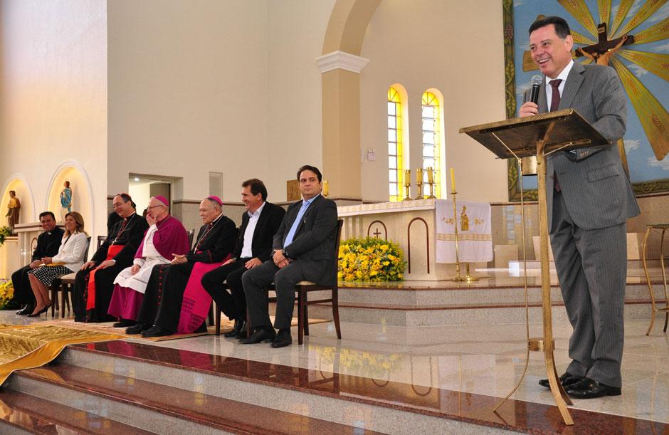 Marconi participa da celebração do Jubileu de Ouro da Diocese de Anápolis