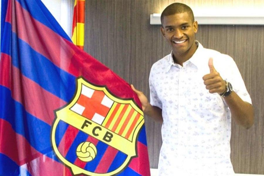 Marlon é relacionado pelo Barça na Liga dos Campeões, mas esquece passaporte