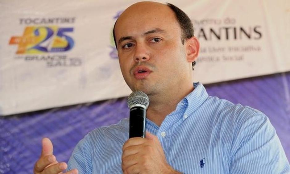 Ex-governador do Tocantins, Sandoval Cardoso se entrega à PF