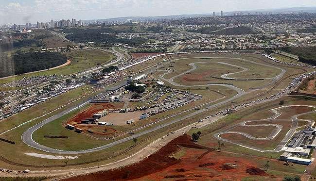 Campeões de automobilismo elogiam novo autódromo de Goiânia