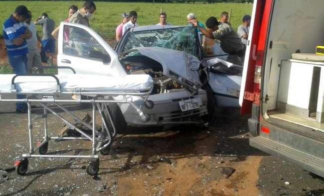 Colisão frontal deixa oito feridos na GO-070