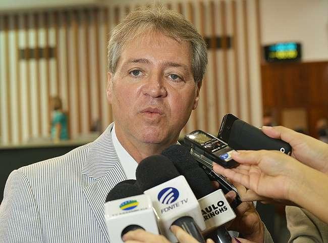 Justiça suspende decreto que nomeou Helder Valim conselheiro do TCE-GO