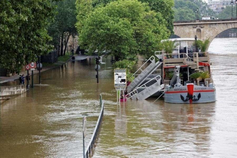 Inundações matam duas pessoas na França