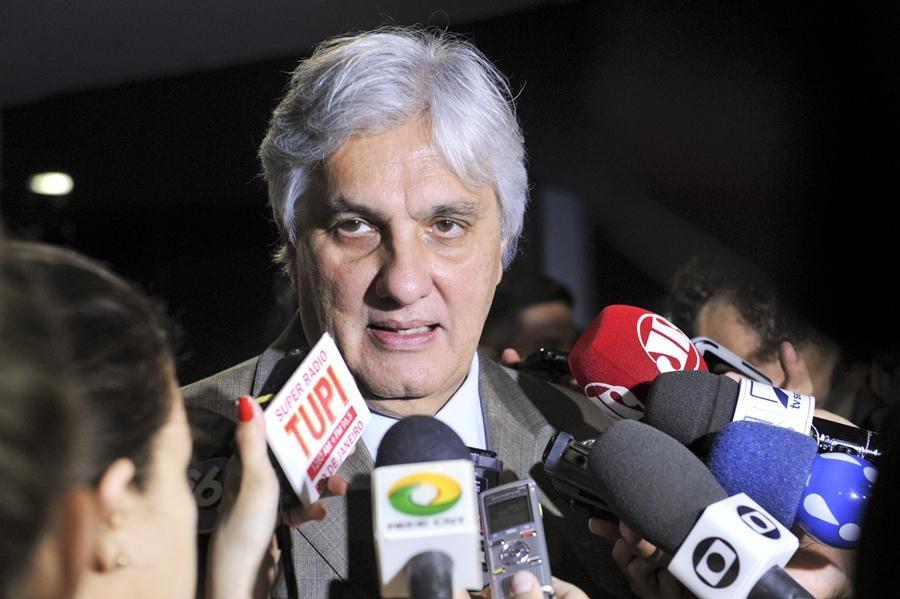 Com base em impeachment, Delcídio pede que STF reconheça seus direitos políticos