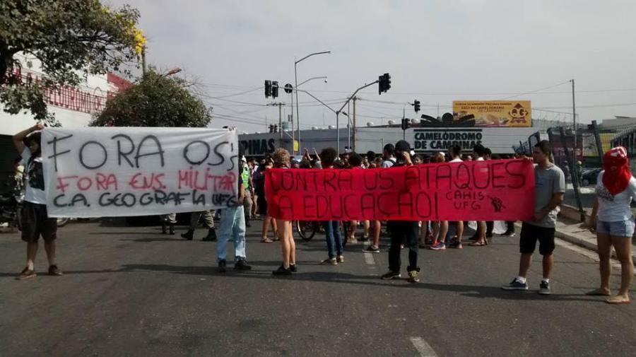 Movimento secundarista se posiciona contra implantação de OSs na educação em protesto