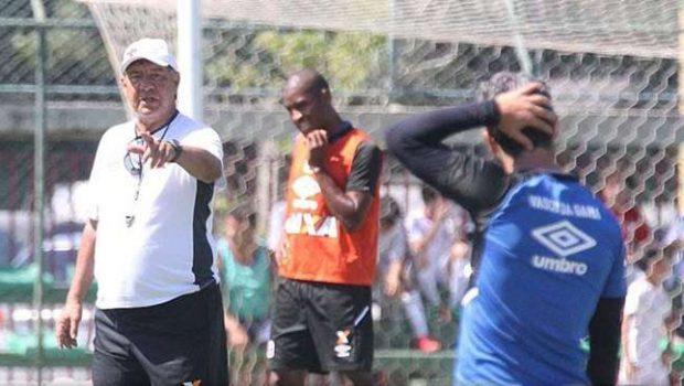 Vasco encara Paraná fora para encerrar jejum na Série B
