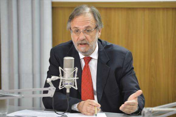 Governo está confiante na aprovação das contas de Dilma pelo TCU, diz Rosseto