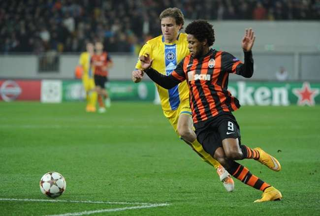 Brasileiro marca três gols e supera marca de Ronaldinho na Liga dos Campeões