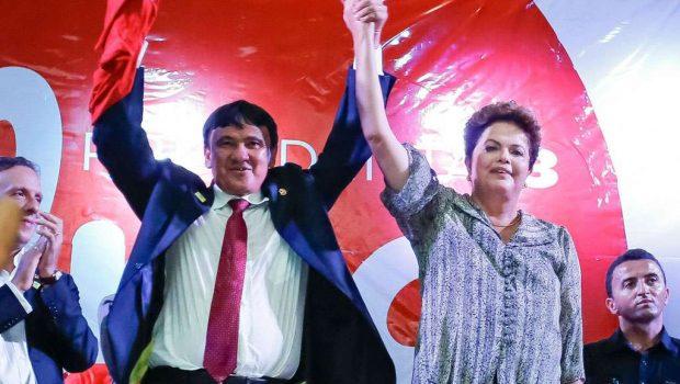"""No PI, Dilma ataca FHC e diz que ele fez """"Bolsa mirradinha"""""""