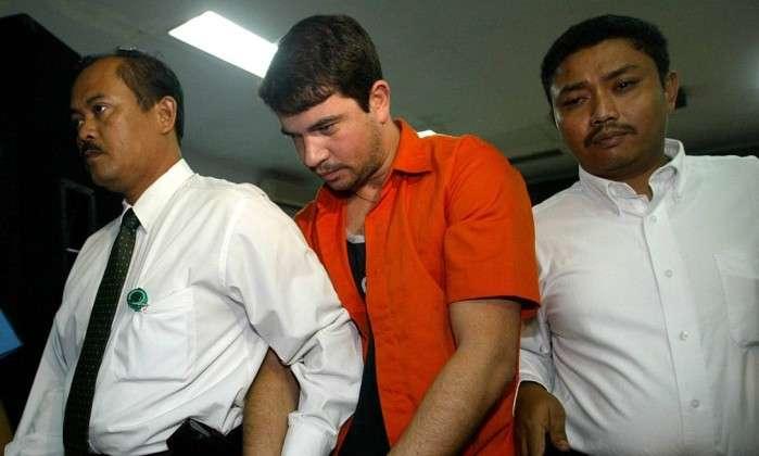 Indonésia adia execução de brasileiro