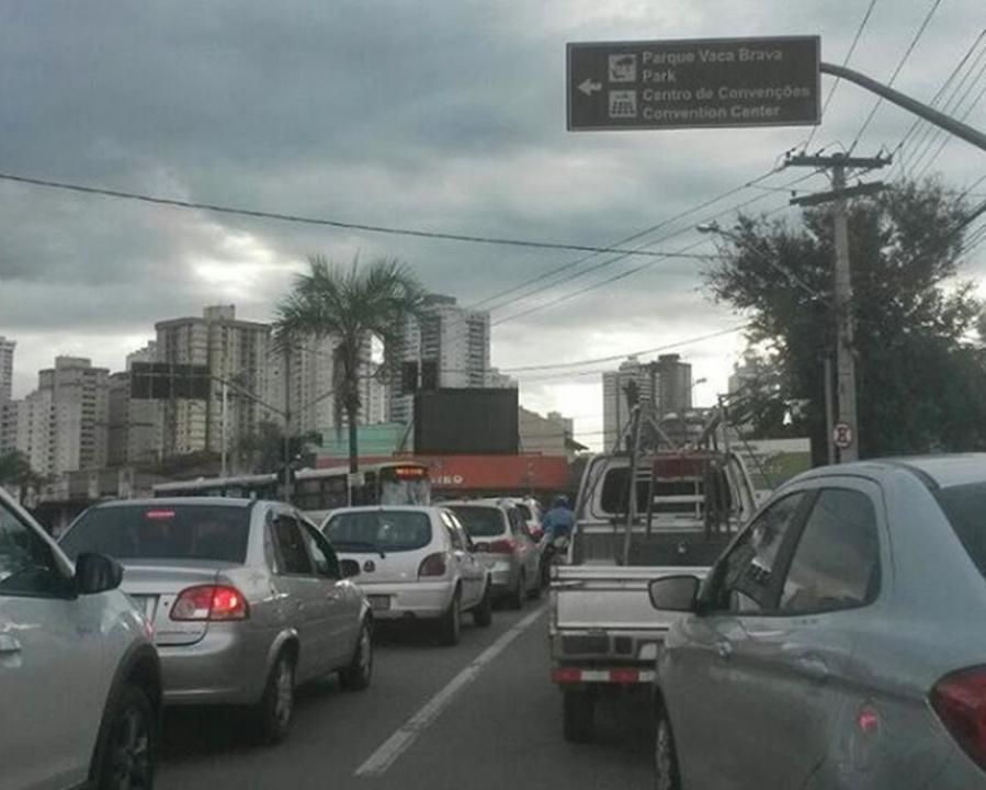 Distúrbio provoca queda de energia em vários bairros de Goiânia