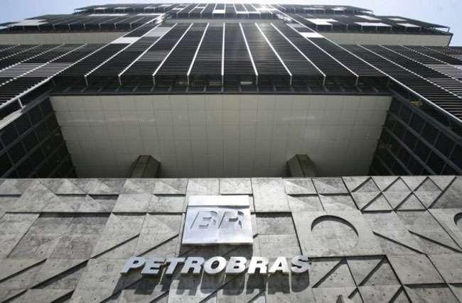Petrobras perde R$ 6,2 bi com corrupção e prejuízo soma R$ 21,6 bi em 2014