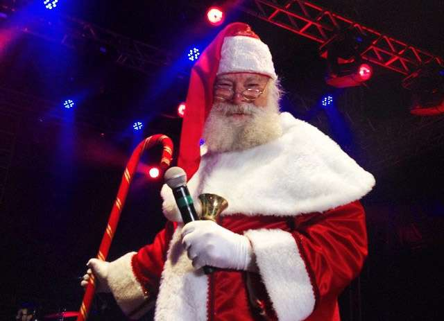 Chegada do Papai Noel marca início da programação de Natal do Flamboyant