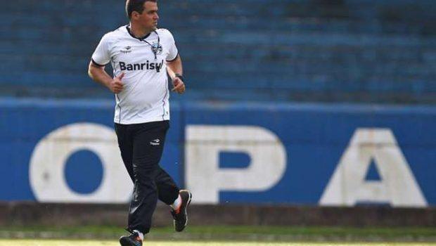 Interino confirma Grêmio com três mudanças no sábado