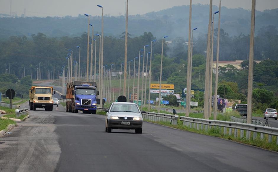 Nova lei do farol entra em vigor nesta segunda-feira em Goiás