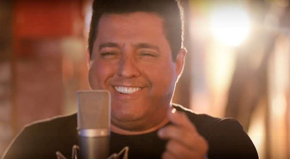 """Bruno e Marrone divulgavam vídeo da música """"Isso Cê Não Conta"""""""