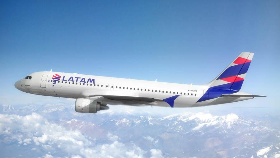 Latam foi única aérea a demitir tripulantes em 2016, diz sindicato dos aeronautas