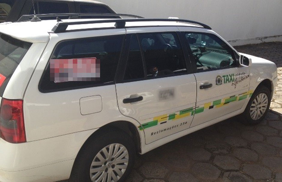 Justiça proíbe cobrança de bandeira 2 em dezembro nos táxis de Goiânia