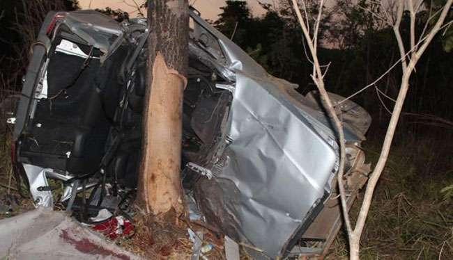 Bebê de 7 meses morre e quatro pessoas ficam feridas em acidente