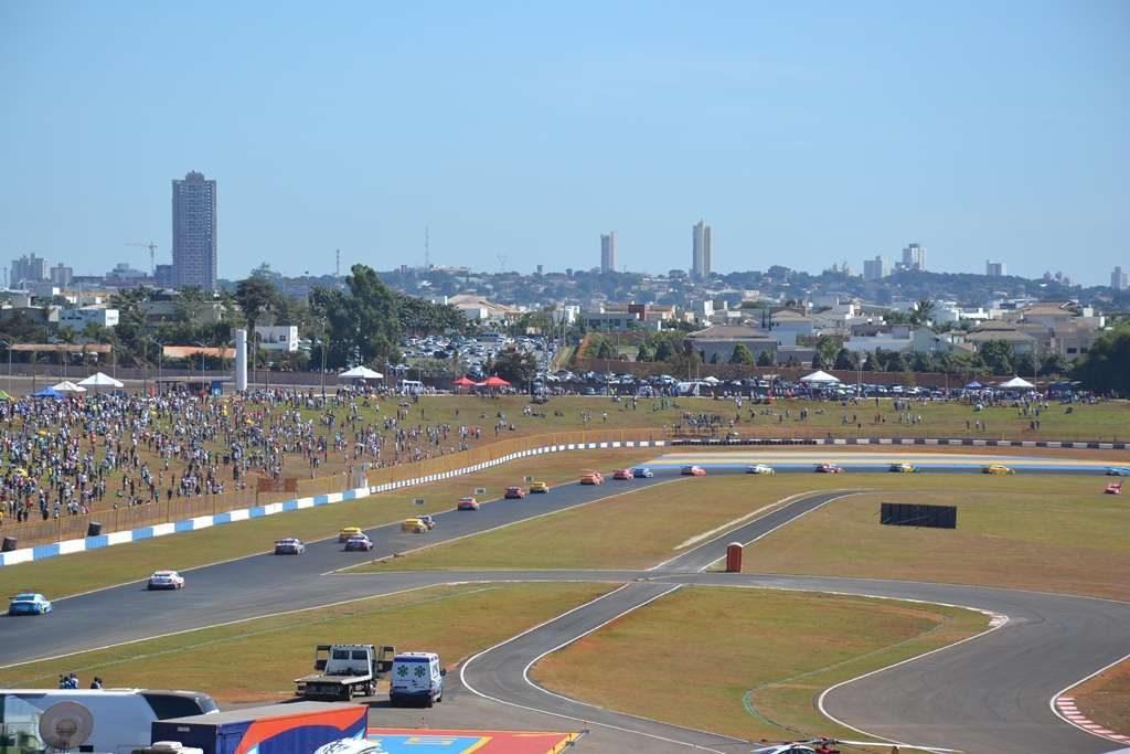 Lei impede mudança de nome do Autódromo Internacional de Goiânia