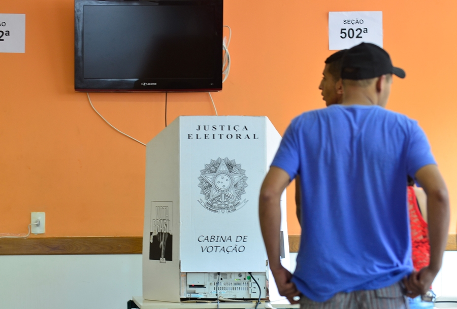Quase 80% dos brasileiros não confiam em partidos políticos