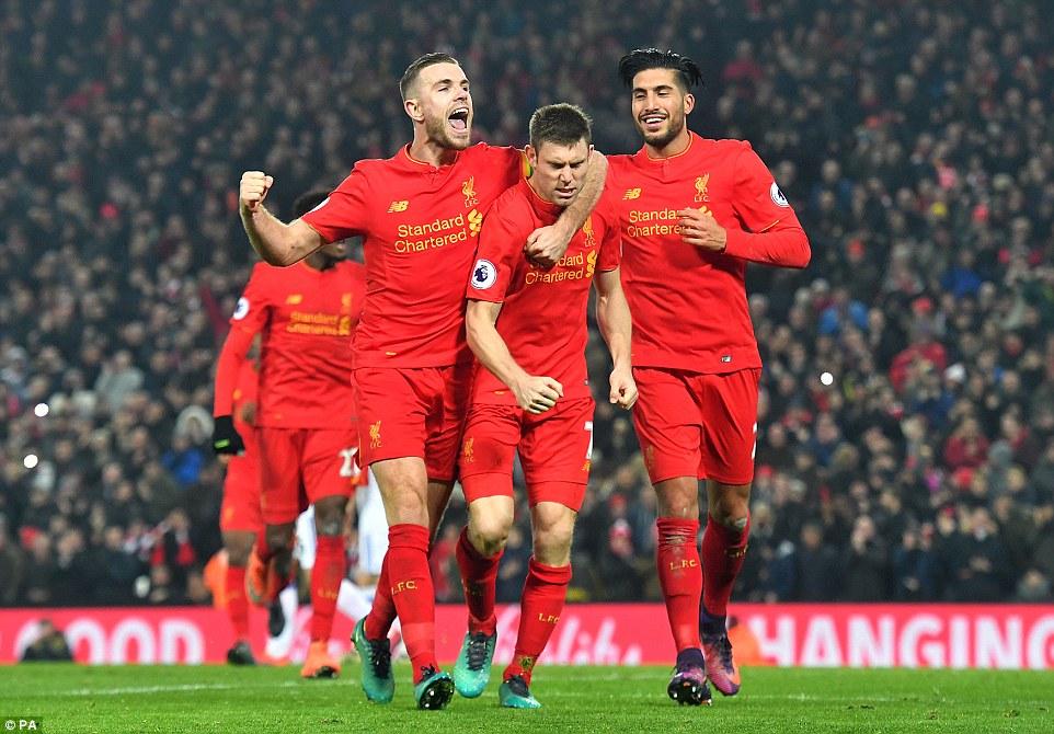 Liverpool bate Sunderland em casa, mas Philippe Coutinho deixa campo lesionado