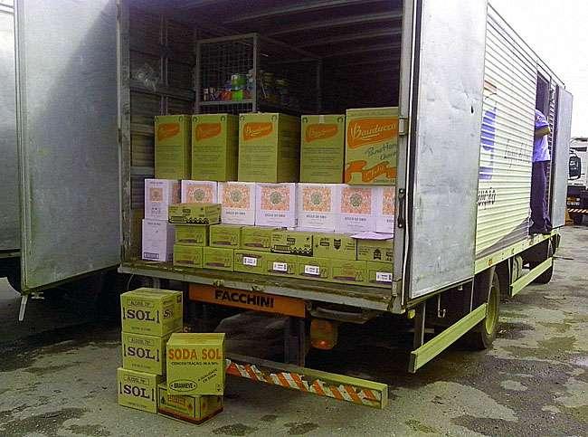 PRF flagra transporte irregular de alimentos e produtos perigosos