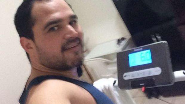 Luciano Camargo posta foto se exercitando