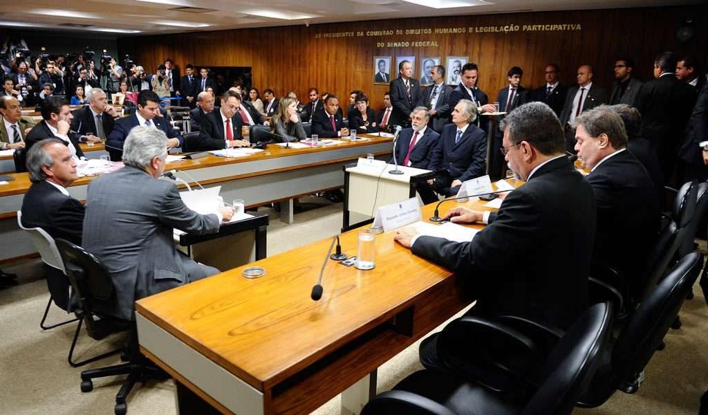 CPI da Petrobras faz acareação entre ex-diretores; assista