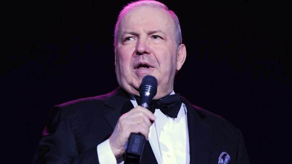 Morre aos 72 anos o cantor Frank Sinatra Jr.
