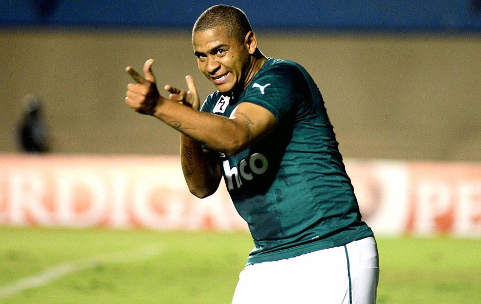 Goiás confirma chegada de Walter para segunda-feira