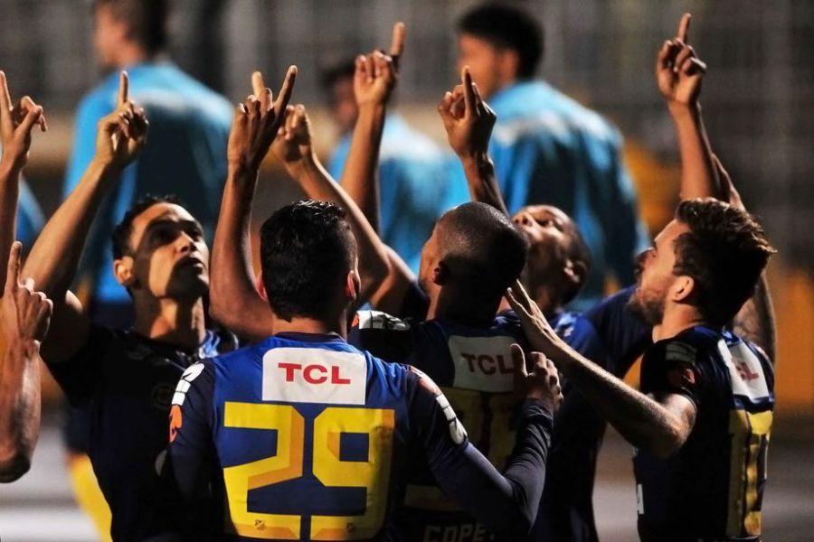 Santistas reconhecem melhor atuação do rival, mas dizem que melhor é ter vencido