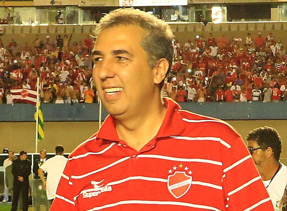 """""""Sentimento de paz precisa ser o espírito maior do futebol"""",  diz José Eliton"""