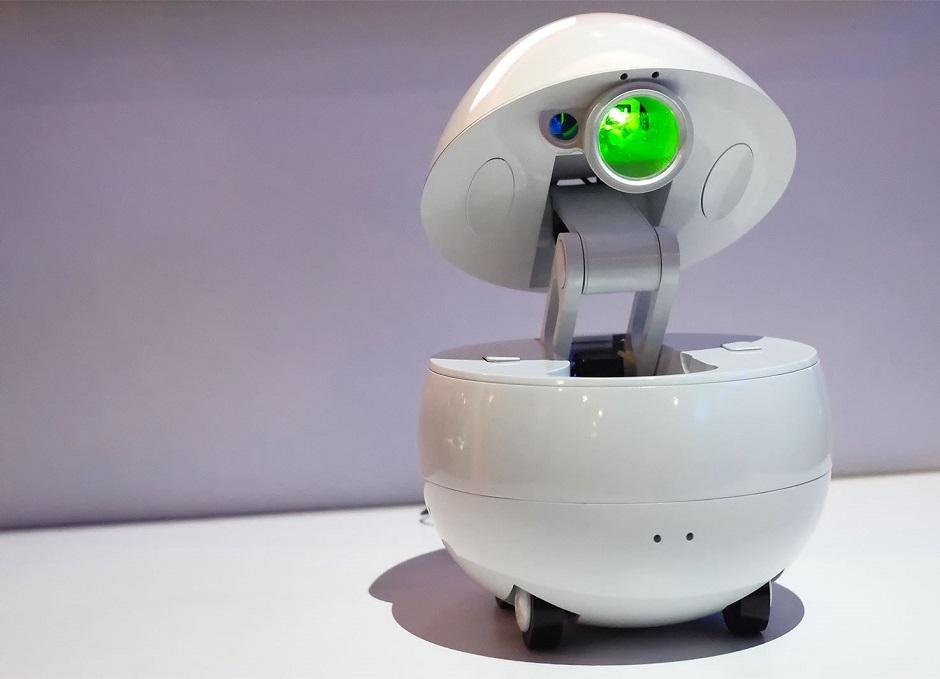 Panasonic leva robô companheiro com projetor para a CES