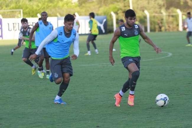 Autor de gol contra o São Paulo, Bruno Mineiro segue entre os titulares