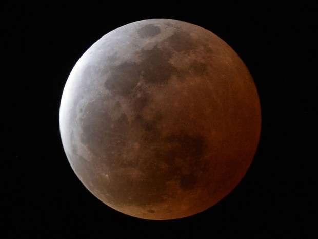 Eclipse lunar e superlua serão vistos ao mesmo tempo hoje à noite no Brasil