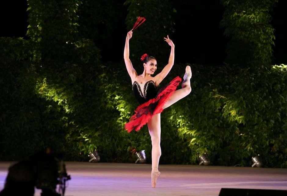 Goianiense conquista medalha de ouro na principal competição do balé do mundo