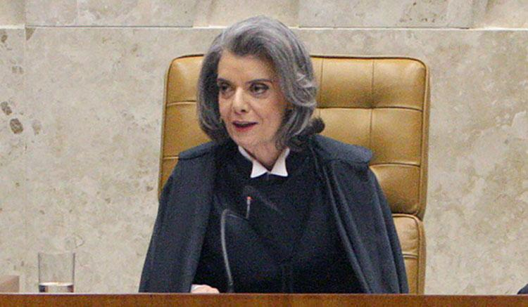 Cidadão não há de estar satisfeito hoje com poder Judiciário, diz Cármen Lúcia